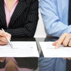 9 z 10 půjček mezi příbuznými proběhne bez smlouvy