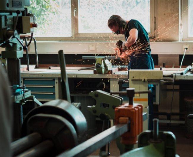 Kurzarbeit v Česku: Jak funguje program pro udržení zaměstnanosti?